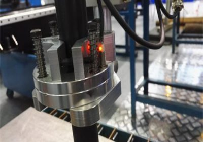 חיתוך מהיר פלזמה פלזמה חתך 1525 cnc מכונת חיתוך פלזמה